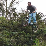 Dropping in freeride Bungalow-Bikes